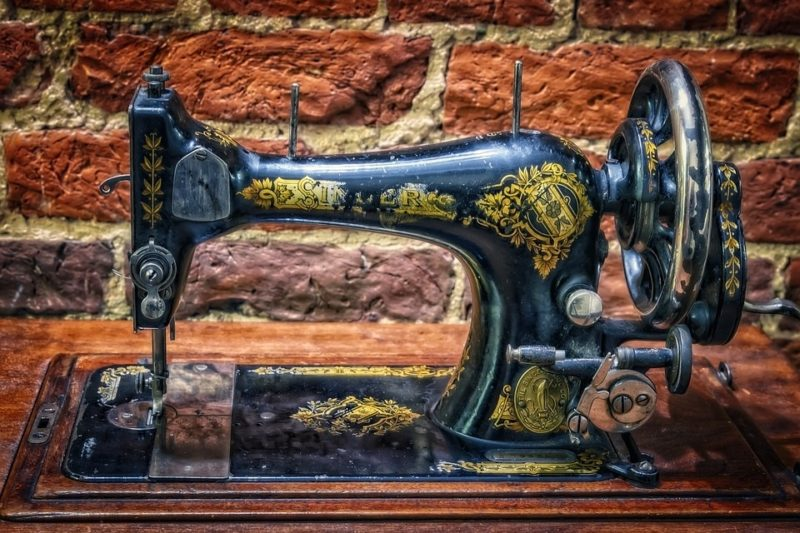 how to use an old sewing machine