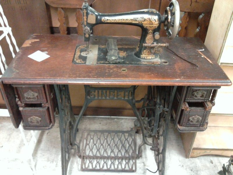 sewing machine foot pedal how it works