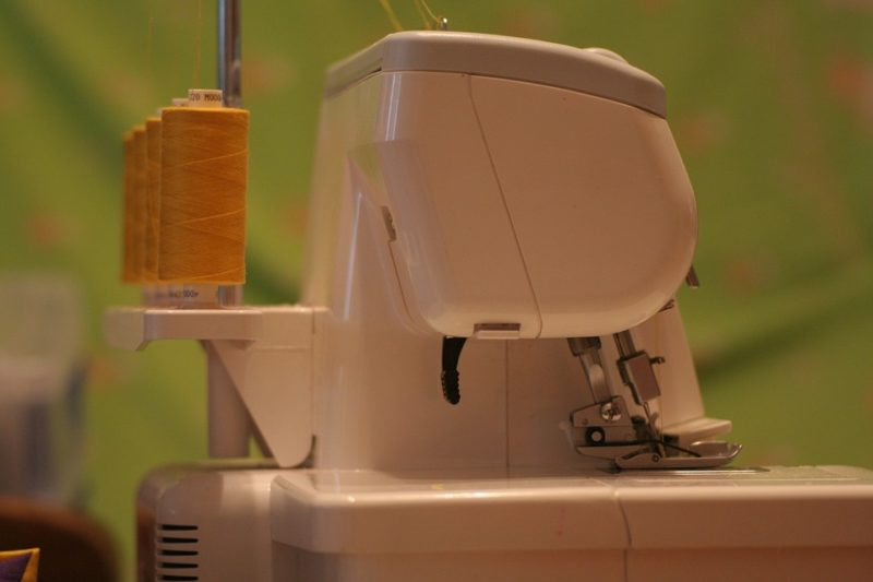 what is serging in sewing