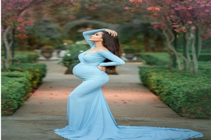 What to wear under maternity gown for photoshoot