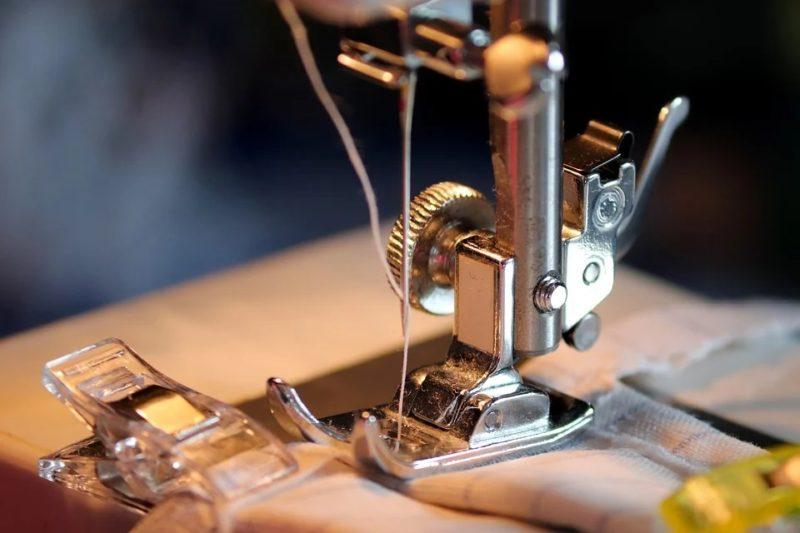 how to backstitch on a brother sewing machine