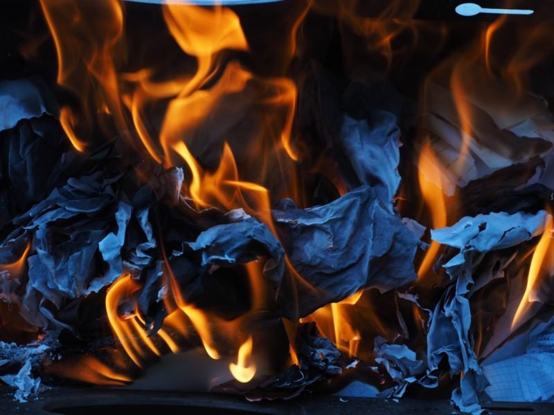 how to clean a burnt stove
