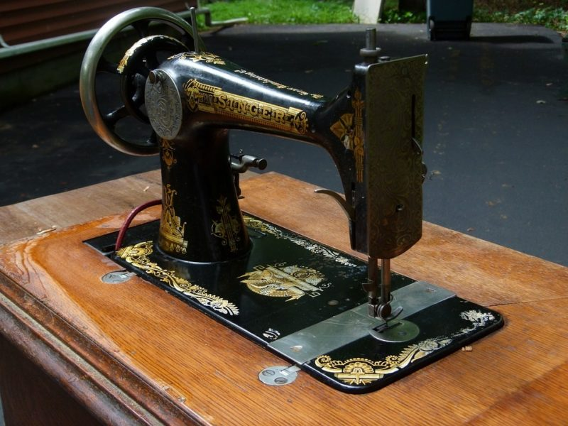 how to fill a bobbin on a singer sewing machine