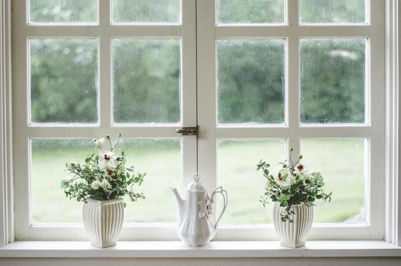 how to get rid of black mold around windows