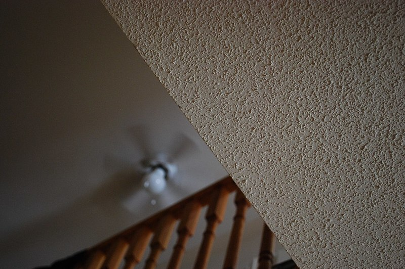 how to remove mold from popcorn ceiling