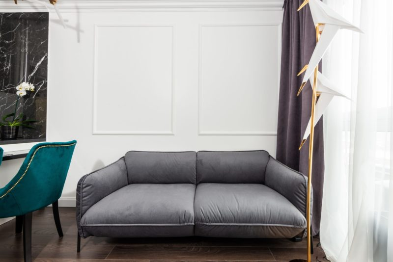 how to decorate with reclining loveseat